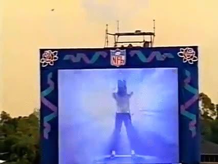 Enlace a La espectacular entrada de Michael Jackson en la Super Bowl de 1993
