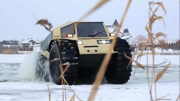 Enlace a Lo mejor de un camión y lo mejor de un tanque anfibio