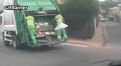 Enlace a Recoger basura con estilo