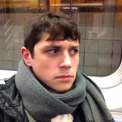 Enlace a Mi día a día intentando ligar en el metro