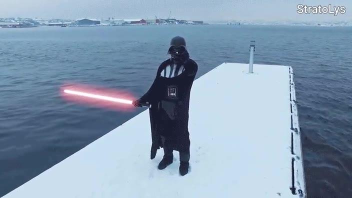 Enlace a Darth Vader utilizando la fuerza para atraer drones