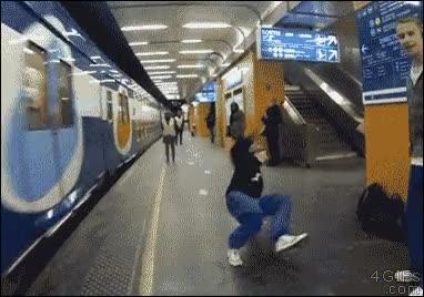 Enlace a Soy el mejor haciendo break dance, espera...¡Noooo!