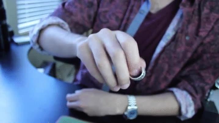 Enlace a El típico plasta que vacila de saber hacer algo con las manos