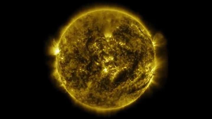 Enlace a La NASA ha capturando imágenes del Sol durante un año. El resultado alucinante