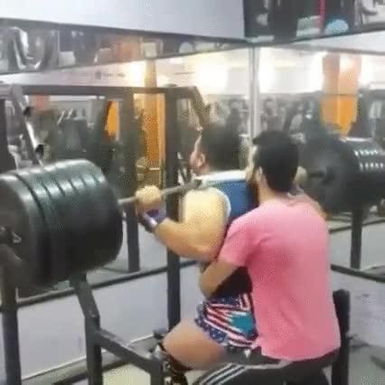 Enlace a Cuando Hulk intenta ir al gimnasio