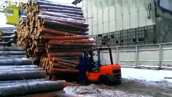 Enlace a Pon un palo de madera más, no te preocupes, aguantará
