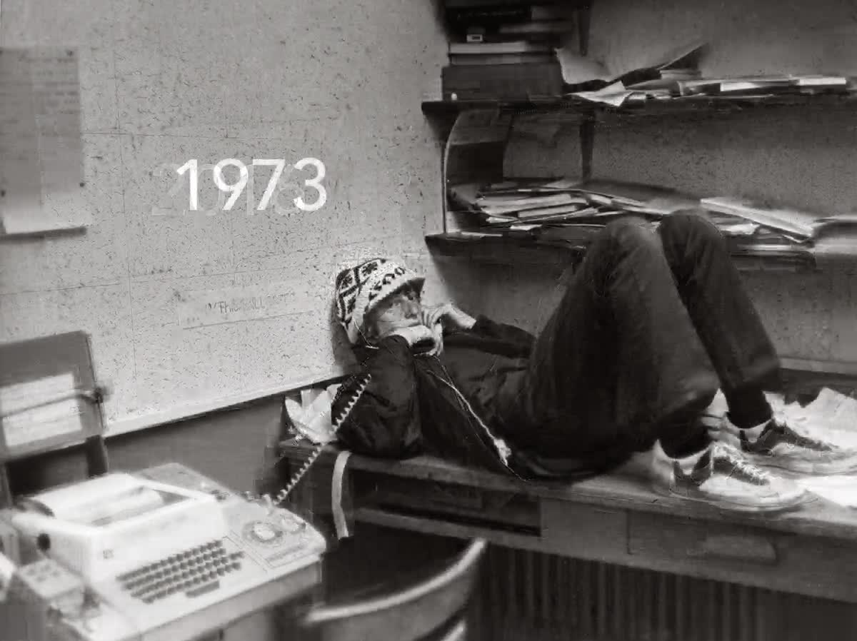 Enlace a Bill Gates recreando la misma foto que se tomó en 1973