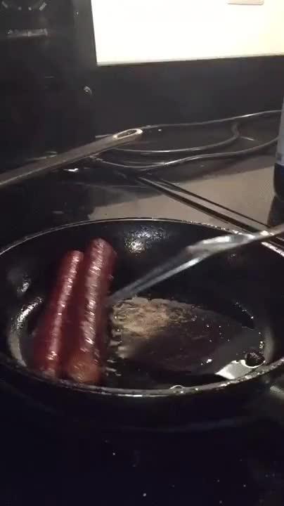 Enlace a Así es cómo cocinan los que tienen miedo de las salpicaduras de aceite