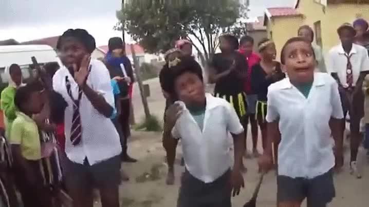 Enlace a Poner cara de concentración forma parte del baile