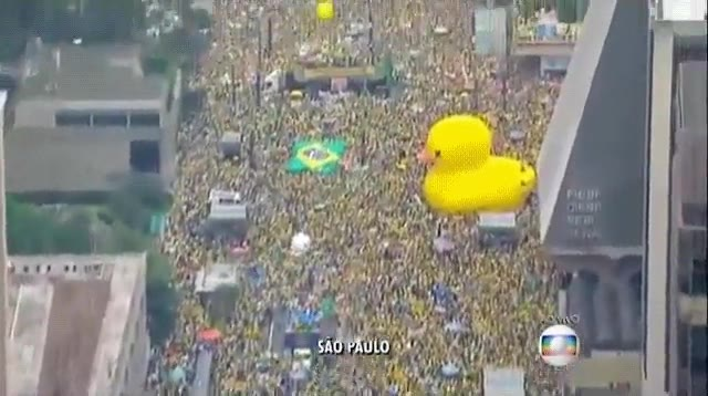 Enlace a Millones de brasileños protestando en contra de la corrupción
