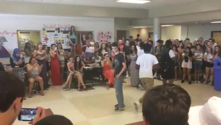 Enlace a Harry Potter también puede ganar competiciones de baile