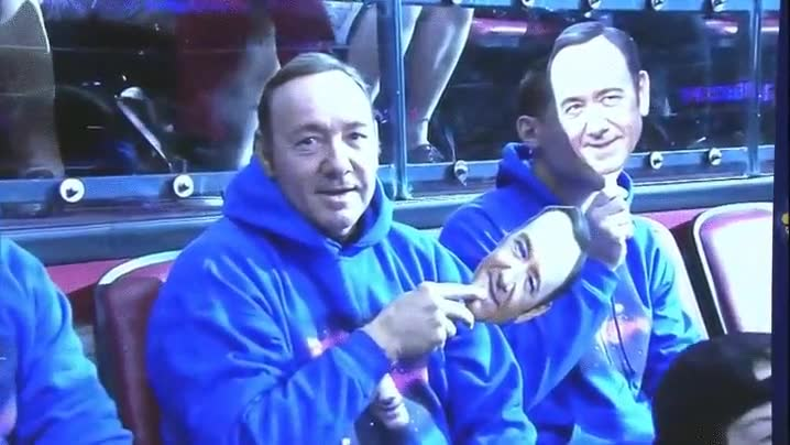 Enlace a Kevin Spacey siendo Kevin Spacey
