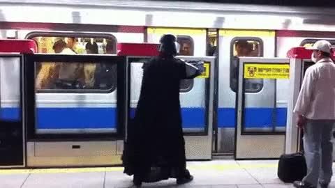Enlace a Darth Vader utilizando la fuerza en el metro