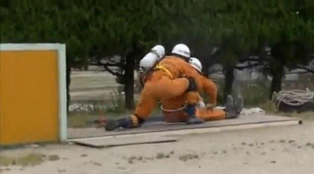 Enlace a Simulacro de rescate. Realmente son súper efectivos