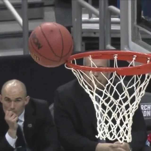 Enlace a Ese momento de tensión en el que no sabes si la pelota entrará o no