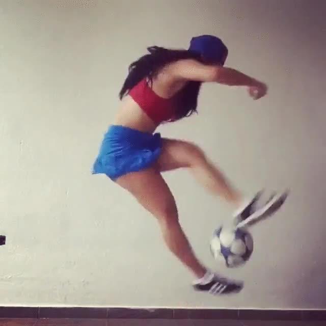 Enlace a No dejes que la pelota toque el suelo