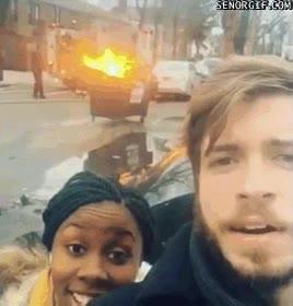 Enlace a Lo que piensan realmente los bomberos de los selfies
