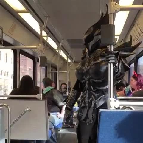 Enlace a Hasta los villanos necesitan ir en transporte público de vez en cuando