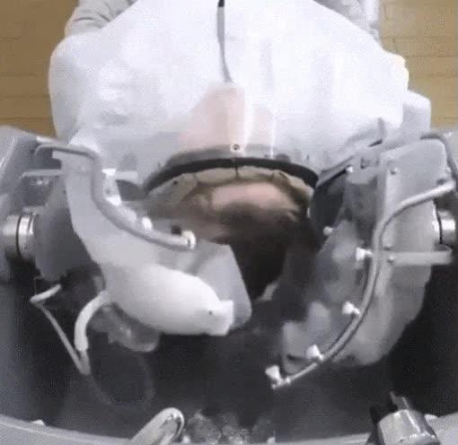 Enlace a Robots que te hacen esos masajes tan relajantes que te hacen en el peluquero