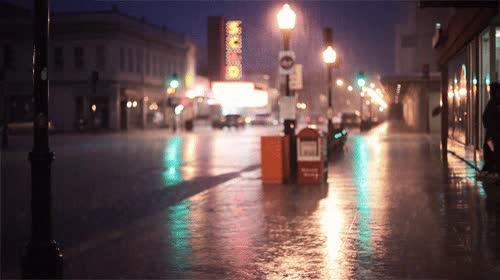 Enlace a La noche de lluvia perfecta que todos queremos ver desde la ventana de casa con una manta