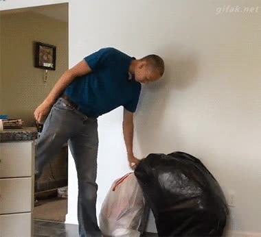 Enlace a Bolsas de la basura que te dan un susto de muerte