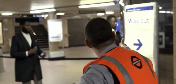 Enlace a Lo que pasa cuando vas empanado por el metro de Londres