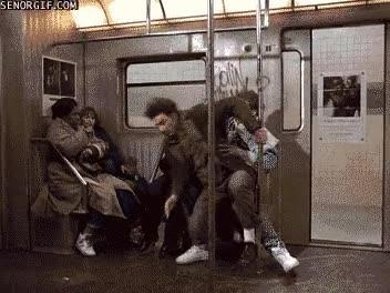 Enlace a Cada mañana me pasa lo mismo en el metro