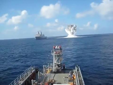 Enlace a Prueba de disparo de un barco de la marina