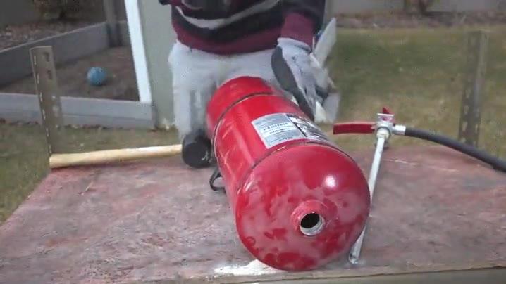 Enlace a ¿Alguna vez te has preguntado qué hay dentro de un extintor?