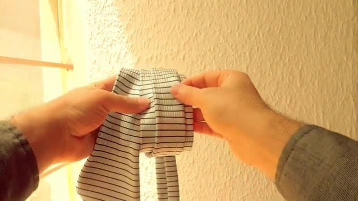Enlace a Cómo hacer el nudo de la corbata de forma fácil