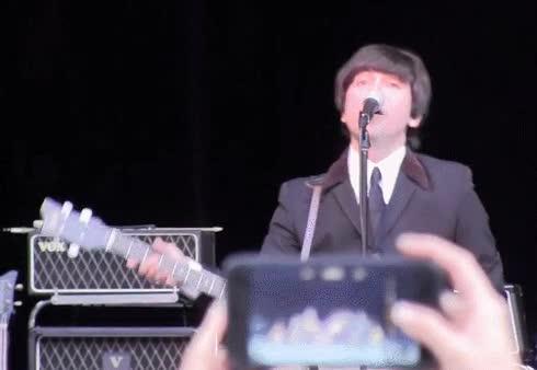 Enlace a Si hubiesen existido los smartphones en la época de los Beatles