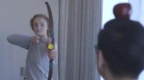 Enlace a Sansa lo ha pasado tan mal que se ha vuelto una chulilla