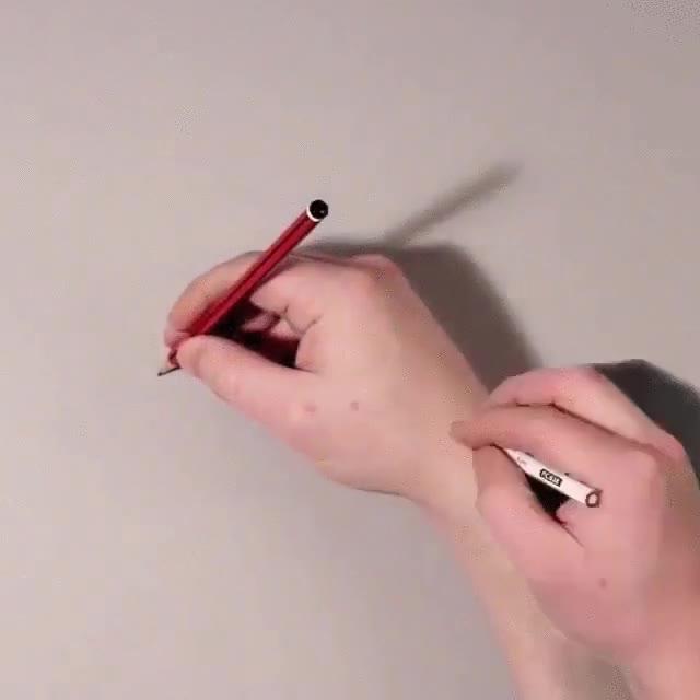 Enlace a Dibujando una mano de la forma más realista