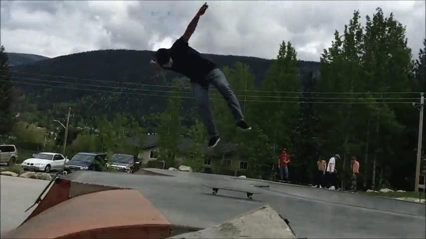 Enlace a El mejor truco con el skate que verás hoy