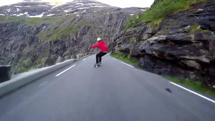 Enlace a Una mañana tranquila patinando en Noruega