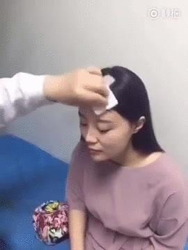 Enlace a La historia continúa, la chica del pelo va al hospital