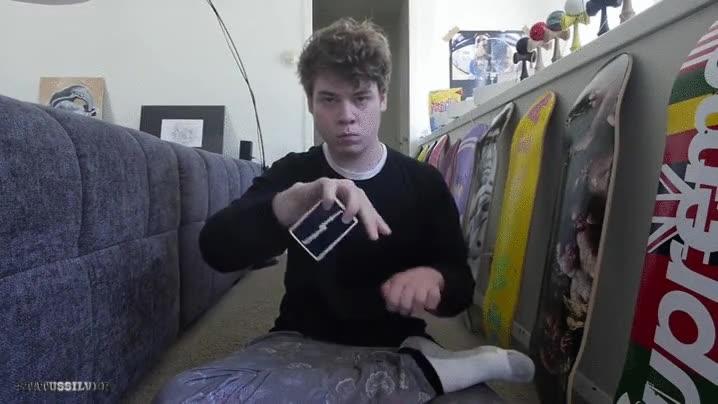 Enlace a Increíble ilusión óptica con dos simples cartas. Alucinante
