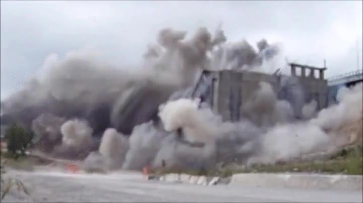 Enlace a Demolición controlada de una autopista
