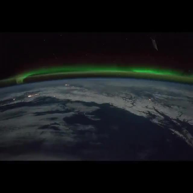 Enlace a La Aurora Boreal vista desde el espacio