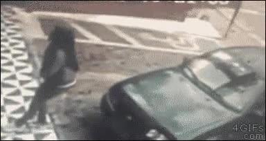 Enlace a Lo mejor que puedes hacer cuando alguien se intenta sentar en tu coche