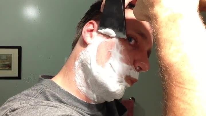 Enlace a La forma en la que se afeitan los hombres de verdad