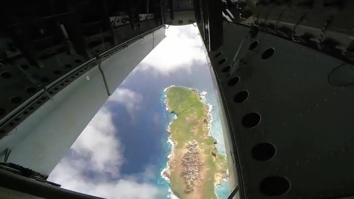 Enlace a Prueba de bombardeo sobre una isla