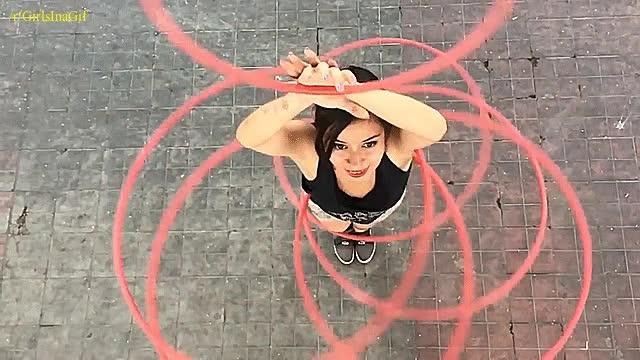 Enlace a Ana Morales, la chica experta del Multihoop