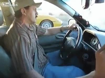 Enlace a Taxista Mejicano VS Porche. Todos sabemos quién acaba ganando