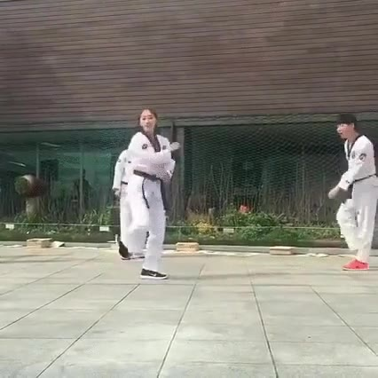 Enlace a La luchadora de karate más adorable del mundo