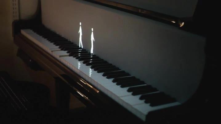 Enlace a Tocando el piano con las animaciones más inverosímiles