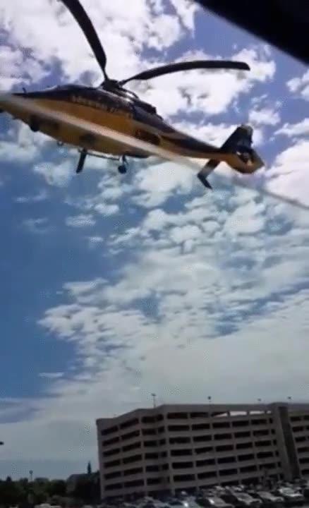 Enlace a Cuando ves despegar un helicóptero y te das cuenta de que algo no funciona como debería