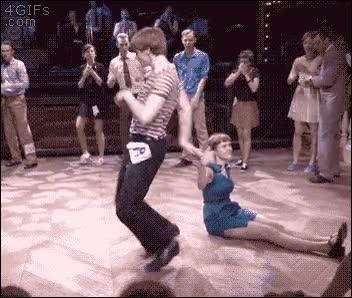 Enlace a La mejor reacción que puede tener tu pareja de baile cuando la cagas