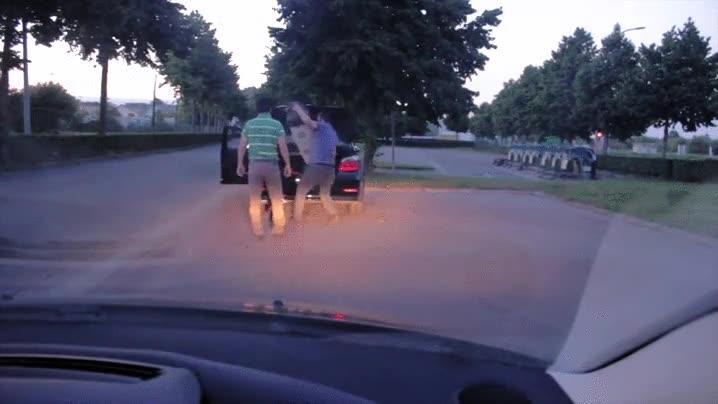 Enlace a El mejor método para evitar las absurdas peleas de carretera