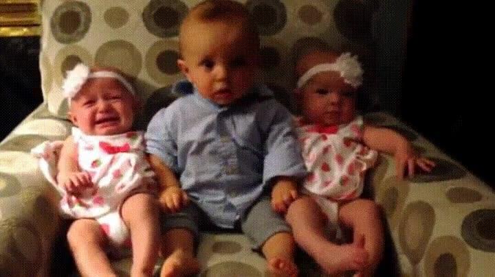 Enlace a Tu cara cuando querías un hermanito y te tocan dos gemelas